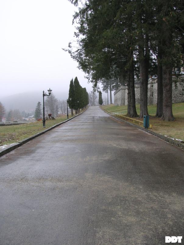 drumul spre castel cantacuzino